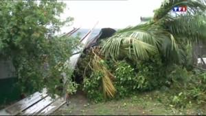 Le 13 heures du 2 janvier 2014 : Le cyclone Bejisa arrive sur La R�ion - 77.98983447647095