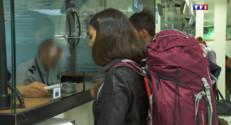 Le 13 heures du 28 août 2015 : Sécurité : comment se passe les contrôles dans les aéroports - 821