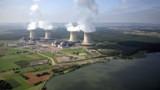 VIDEO. La durée de vie des centrales nucléaires prolongée de 10 ans ?