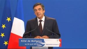 François Fillon annonçant le 24 août 2011 des mesures d'économies pour réduire les déficits