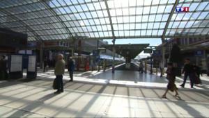 Le 13 heures du 5 mai 2015 : A Lille, la délinquance a grimpé de 136% dans les gares et les trains - 853.7991472473144