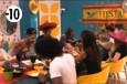 Les habitants profitent de leur dîner Tex Mex et de l'une de leurs dernières soirées dans la Maison.