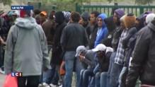 Calais : Cazeneuve annonce l'envoi d'une centaine de policiers supplémentaires