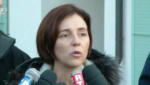 La mère de deux jumelles suisses disparues, Irina Lucidi, lançant un appel à témoins (09/02/2011)