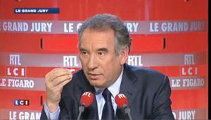 Economie : Bayrou met en garde en Hollande