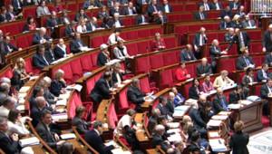Les députés s'apprêtent à vivre un second week-end de travail à l'Assemblée.