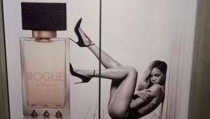 Rihanna affiche parfum