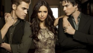 The Vampire Diaries - Saison 2. Série créée par Kevin Williamson, Julie Plec en 2009. Avec : Nina Dobrev, Paul Wesley, Ian Somerhalder et Steven R. Mcqueen.