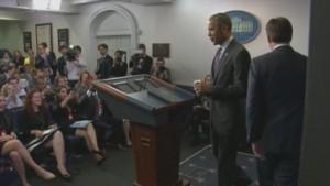 Barack Obama surprend des étudiants qui visitaient la Maison Blanche