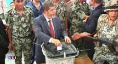 Egypte : Mohamed Morsi condamné à 20 ans de prison
