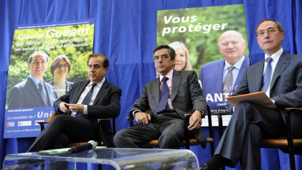 Roger Karouchi, François Fillon et Claude Guéant à Boulogne-Billancourt le 4 juin 2012.
