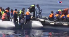 Le 13 heures du 3 mai 2015 : Un navire de la marine nationale au secours de migrants - 304.387