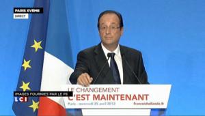 """Hollande ironise sur les """"Unes"""" du Figaro"""
