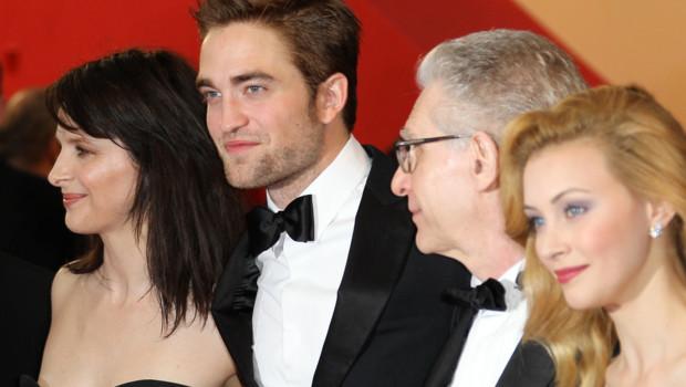 Robert Pattinson et l'équipe de Cosmopolis sur les marches à Cannes