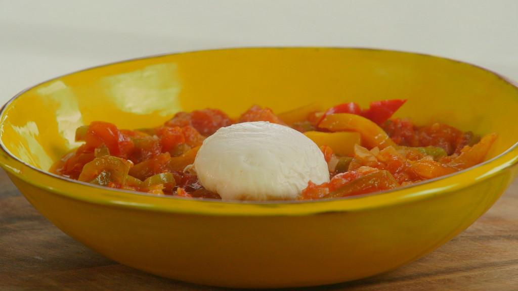 Ma piperade au chorizo petits plats en equilibre mytf1 - Recette cuisine tf1 petit plat en equilibre ...