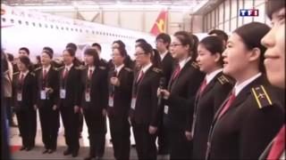 En Chine, Manuel Valls a été accueilli par la chanson des Choristes