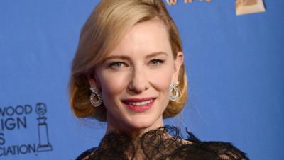 L'actrice australienne Cate Blanchett et son Golden Globe de la meilleure actrice dramatique pour Blue Jasmine