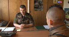 Le 13 heures du 21 avril 2015 : L'armée de terre accélère son recrutement - 643.261