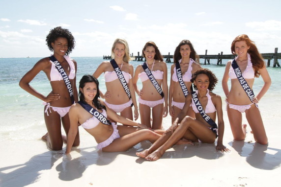 Séance photos en bikini - Election de Miss France 2012