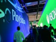 Les stands de PlayStation et Xbox lors du salon du jeu vidéo E3 de Los Angeles