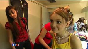 En France, les concours de mini miss se multiplient et de plus en plus de parents inscrivent leurs fillettes de 2 ans à 13 ans. Ces concours sont-ils une bonne chose pour les enfants ?