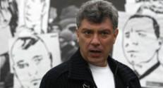 Le 13 heures du 28 février 2015 : Nemtsov tué en plein Moscou : retour sur les circonstances d'un assassinat digne de la Mafia - 77.91499999999999