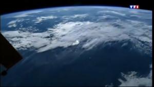 Le 13 heures du 7 novembre 2013 : La flamme olympique envoy�dans l%u2019espace - 1487.6270000000004