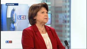 "Sarkozy candidat : ça ""ne change rien"" estime Aubry"