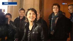 Nathalie Arthaud a déposé ses 500 signatures
