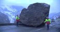 Le 13 heures du 28 février 2015 : Éboulement en Savoie : après le travail de sécurisation, place à la destruction du rocher - 414.5305388793945