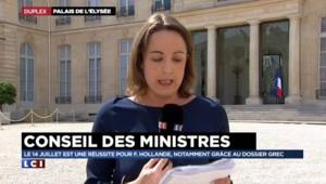 """François Hollande """"surfe sur son nouveau portrait de médiateur international"""""""