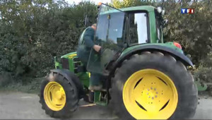 Un tracteur verbalisé pour un stationnement gênant à Paris !
