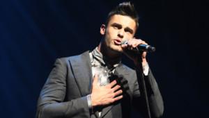 Le mannequin et chanteur Baptiste Giabiconi lors d'un gala à l'Olympia en septembre 2012