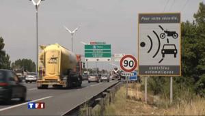 Panneau indiquant la présence d'un radar fixe
