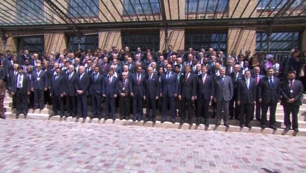 """Syrie: Les """"ambitions hégémoniques cachées"""" de l'Occident Conference-des-amis-de-la-syrie-a-paris-6-7-12-10729434gbslx_1713"""