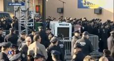 New York : les policiers tournent le dos au maire lors des obsèques de l'un des leurs