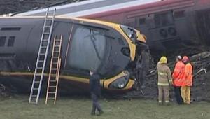 TF1/LCI : Train Pendolino de Virgin Trains, reliant Londres à Glasgow, après son déraillement, le 24 février 2007