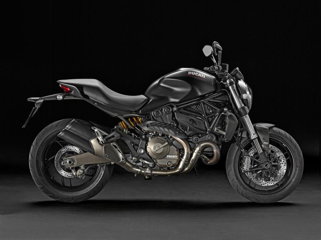 Nouvelle ducati monster 821 - Page 11 Ducati-monster-821-2014-07-11170435mlmcr