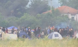Grèce : 1100 migrants évacués par la police à la frontière macédonienne