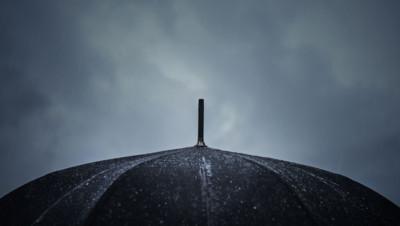 pluie parapluie ciel météo intempéries inondations orages