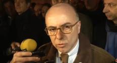 Le 20 heures du 20 décembre 2014 : Agression dans un commissariat : Bernard Cazeneuve salue le sang-froid des policiers - 170.141