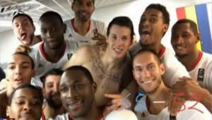 Les Bleus ont fêté leur victoire sur l'Espagne en basket par un selfie.