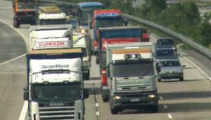 TF1/LCI : Poids lourds sur une autoroute