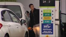 Le 20 heures du 20 décembre 2014 : Baisse du prix du carburant : un