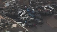 Une tornade gante a ravag la banlieue d&#039;Oklahoma City.