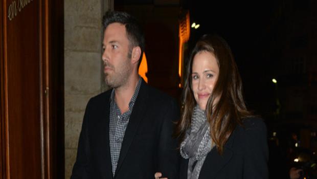 Ben Affleck et Jennifer Garner sortant d'un bistrot parisien le 15 octobre 2012