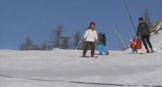 Le 20 heures du 20 décembre 2014 : Dans les stations de ski, le manque de neige ne décourage pas les vacanciers - 430.61799999999994
