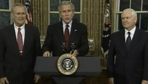 TF1-LCI : Déclaration commune de Donald Rumsfeld, George Bush et Robert Gates, pour la passation de pouvoir à la tête du Pentagone, le 8 novembre 2006