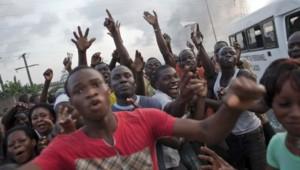 Partisans d'Alassane Ouattara à Abidjan (décembre 2010)