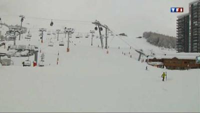 Aux Ménuires, les skieurs profitent de la première neige